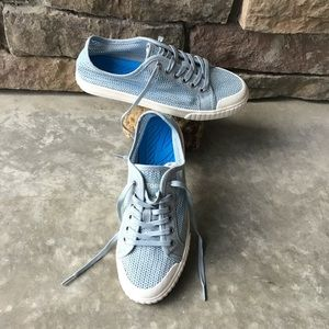 Tretorn Womens Size 6.5 Net Lace Up Sneakers EUC